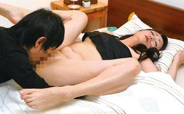 [HD][OFKU-179] 新潟から上京した嫁の母が…五十路義母 今浪優 50歳