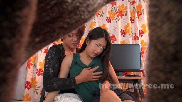 [HD][SCPX-308] 「キミ!!起きてんでしょ!?見てんでしょ!?助けてよ!!」僕のアパートをラブホ代わりに使うイケメン不良が、僕が寝ているすぐ隣でクラスのマドンナをレイプ!!感じまいと必死に耐えながら助けを求める彼女の視線 何も出来ずに見る気弱な僕は…まるで無力な僕は…