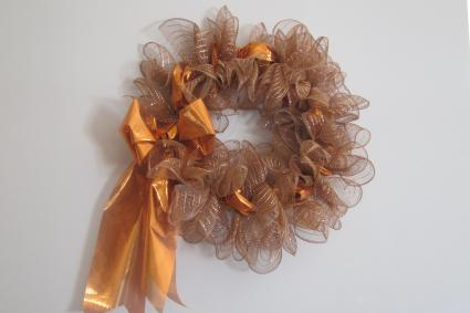 How To Make Decorative Mesh Ribbon Wreaths LoveToKnow