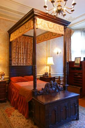 Decorating A Gothic Themed Bedroom LoveToKnow