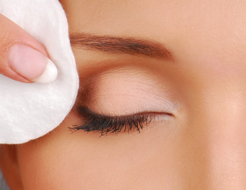 Remove Mascara Without Makeup Remover