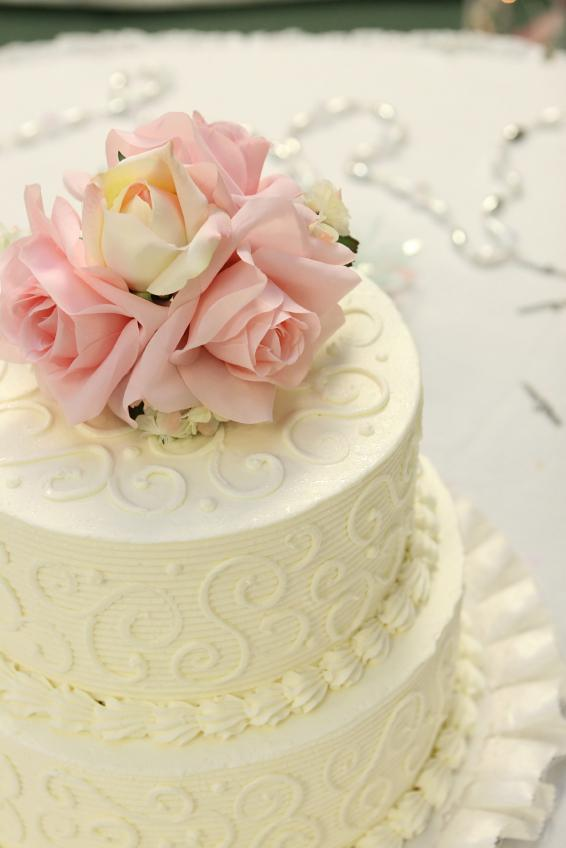 Buttercream Wedding Cake Designs   LoveToKnow cake with scrolls and ridges