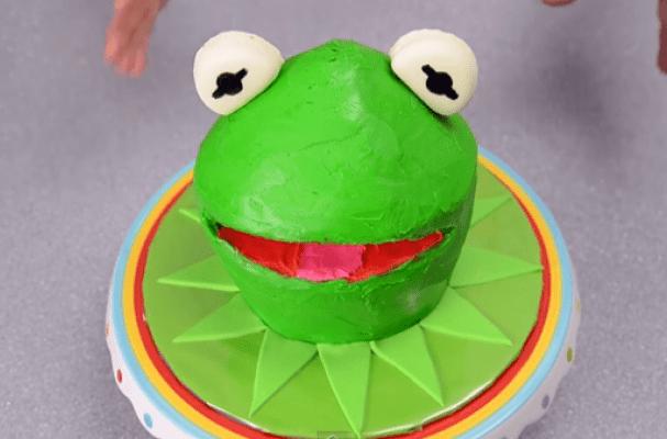 Baking Easter Cake