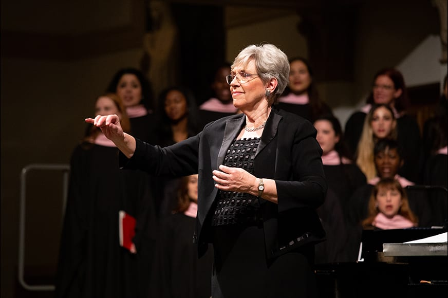 Small Gala - Mary Breden Conducts Her 27th Gala Christmas Concerts
