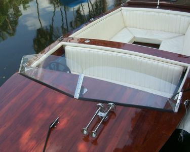20' Classic Electric Boat