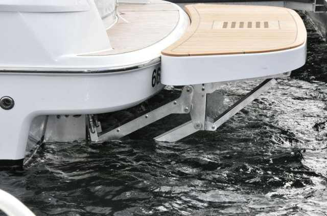Hydraulic Lift and Hydraulic Swim Platforms