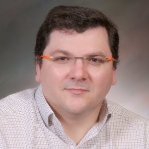 Pedro Guillen Headshot Mentor ELP 2022