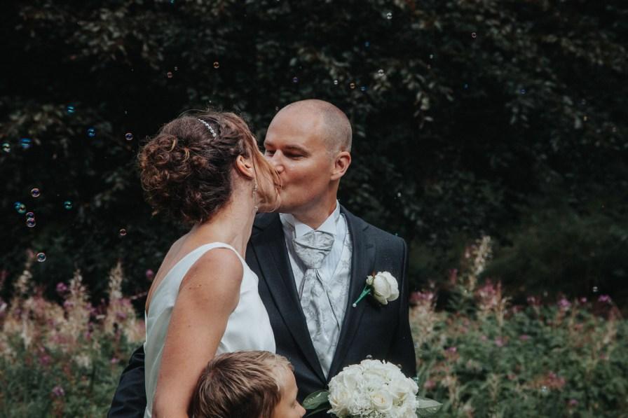 Monica och Björns bröllop Tjolöholm bröllopsfotograf cattis fletcher Kungsbacka Göteborg Halland