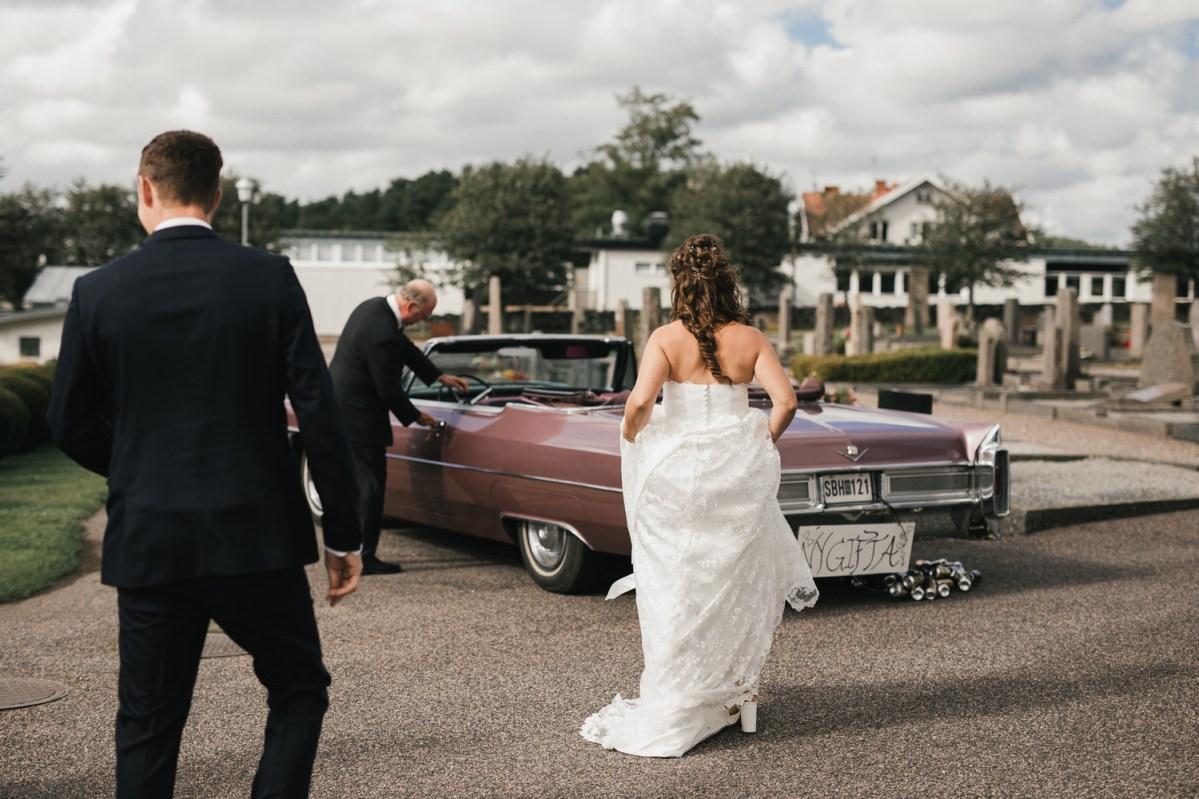 Wedding photographer on the Swedish wets coast the ceremony By Tjolöholms castle Therese och Joakims wedding photographer cfoto