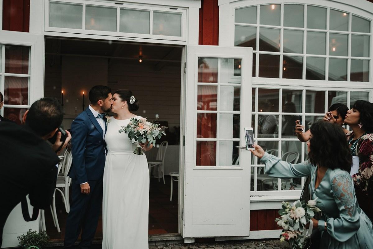 Bröllopsfotograf Göteborg Stora Holms Säteri gratulationer wedding photographer Sweden