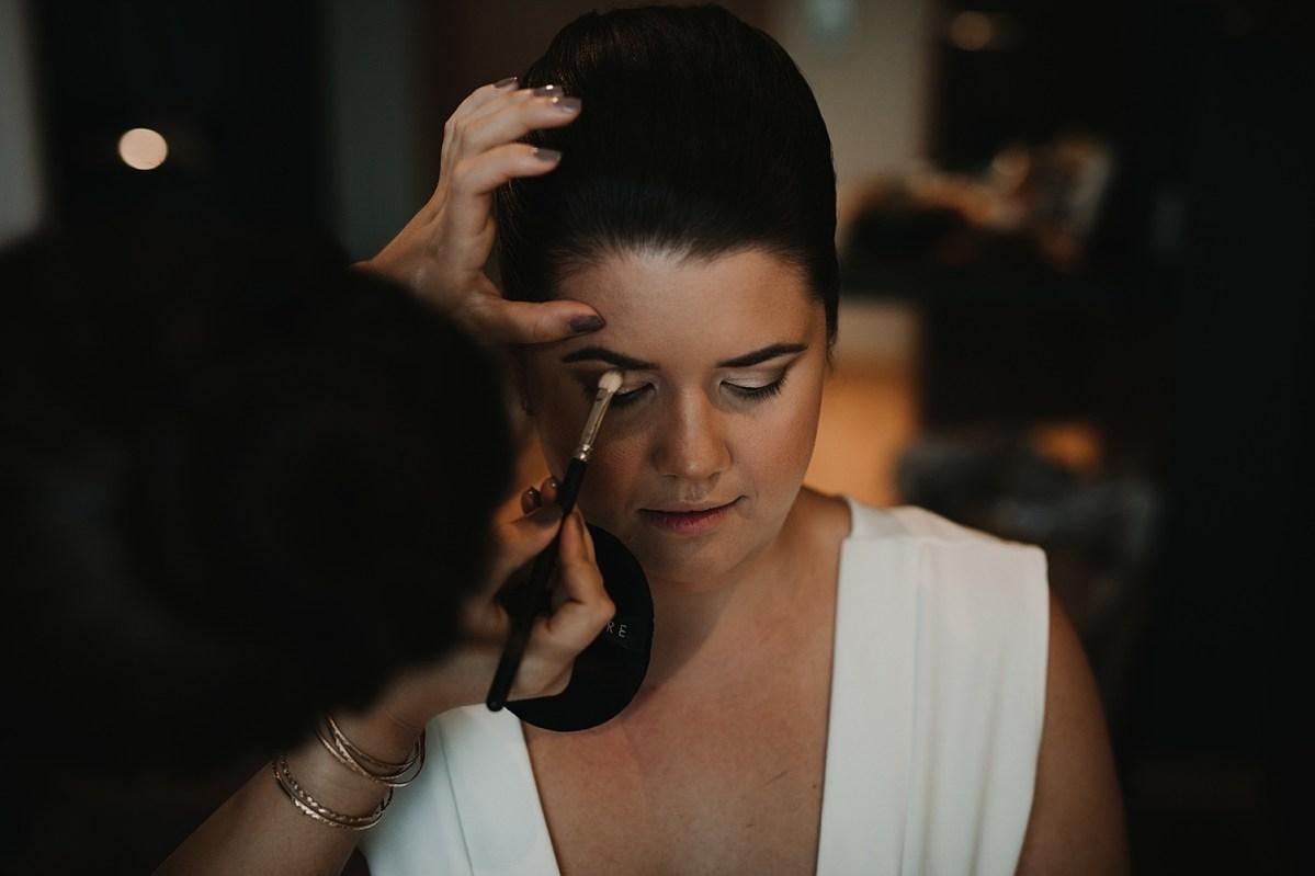 Bröllopsfotograf Göteborg förberedelser  getting ready wedding photographer sweden