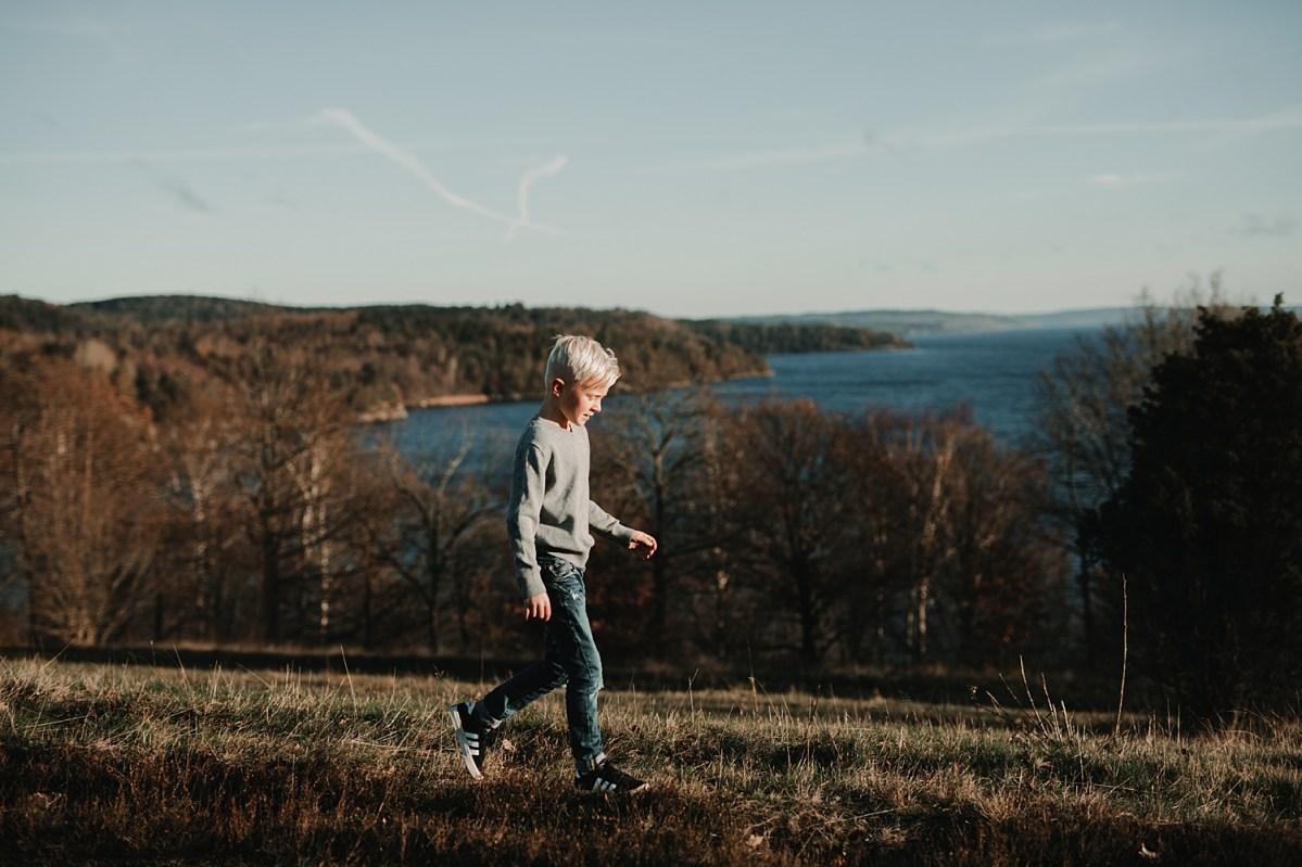 Porträttfotograf Göteborg Fjärås Bräcka vinter sol portrait photographer Sweden