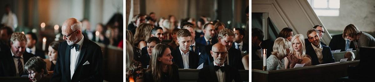 Gästerna Mariakyrkan Båstad Bröllopsfotograf wedding photographer Sweden Ceremony