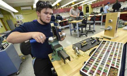La formation professionnelle gagne du terrain au Québec