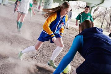 Djevojčice koje igraju fudbal pokazuju mnogo veći…