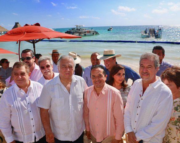 Juntos trabajamos en soluciones viables y sustentables para combatir los efectos del sargazo en playas del Caribe: Carlos Joaquín