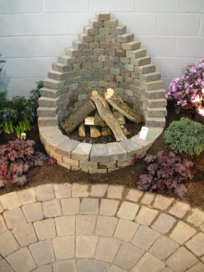 Beautiful fire pit ideas on a hill with cozy seating area