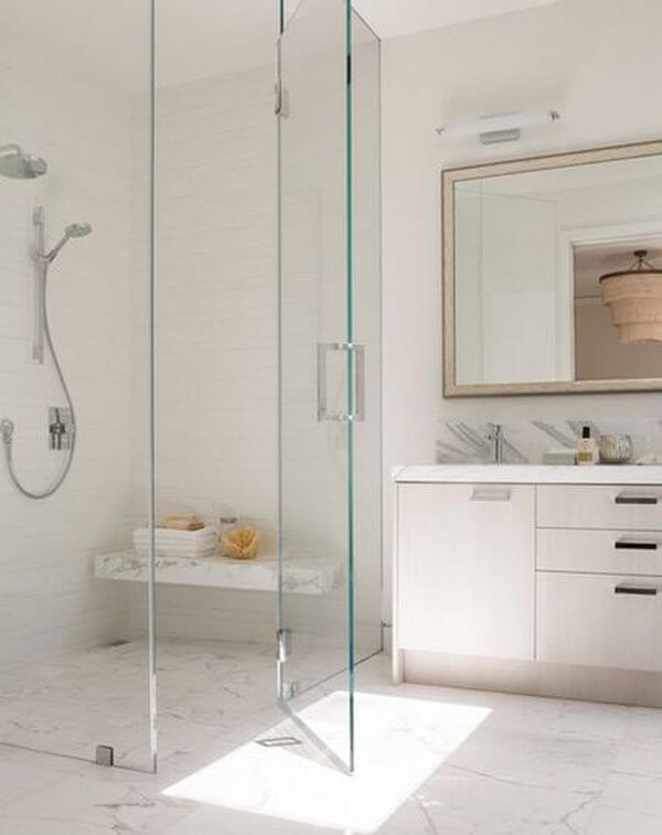 Best walk in shower apartments to upgrade your bathroom