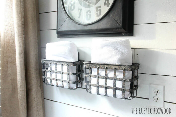 Quick and easy farmhouse bathroom decor images that will make your space look professionally designed