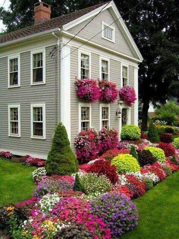 Beautiful and modern style landscaping ideas for front yard for turning a small space into a stunning garden