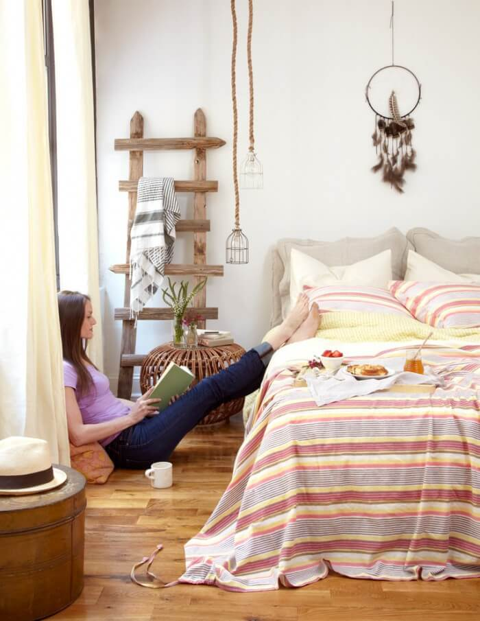 A Affordable and Easy Decoratoring Guide to bohemian style interior design from eclectic bedrooms to relaxed living rooms.