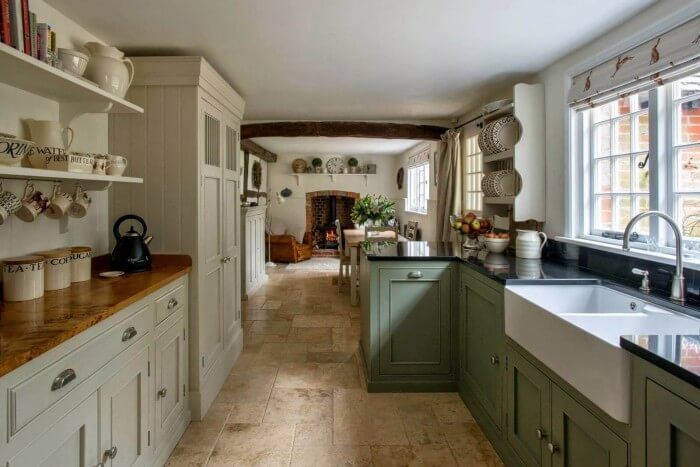 Country Kitchen Design Ideas & Pictures: farmhouse kitchen cabinet ideas for the rustic kitchen of your dreams to get inspired now. On a budget!