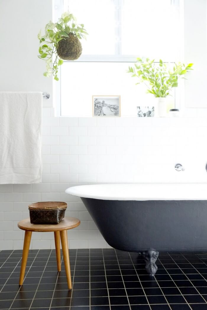 Functional ideas for decorating unique bathroom tile ideas will have you planning your bathroom remodel. Get the most from smaller spaces when tiling bathroom walls and floors