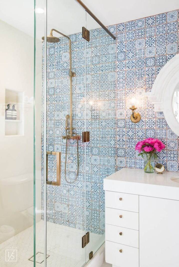Functional ideas for decorating small bathroom tile ideas will have you planning your bathroom remodel. Get the most from smaller spaces when tiling bathroom walls and floors