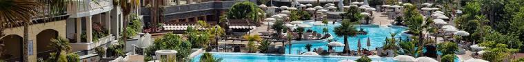 Madero Hotel Pool Setting