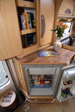 IH J220 motorhome fridge