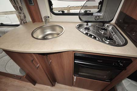 Lunar Venus 550 4 Kitchen