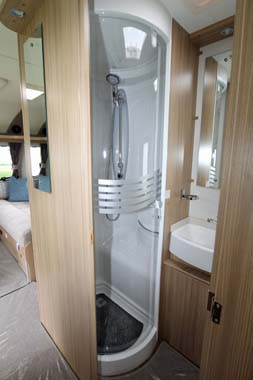 Coachman Vision 570 Shower