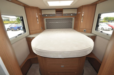 Auto-Trail Delaware HB double bed