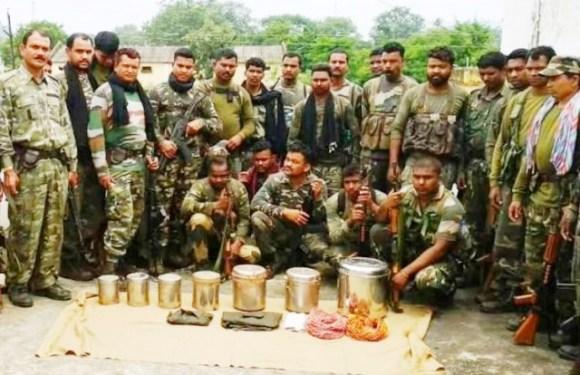 सर्चिंग के दौरान जवानों ने बरामद किए 6 जिंदा टिफिन-बम, सुरक्षा बलों की मुस्तैदी से टला बड़ा हादसा