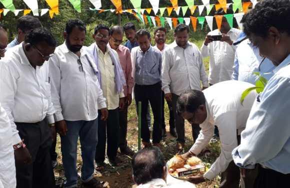 """""""महार-समाज"""" का पोला-पिटारा मिलन समारोह जगदलपुर में हुआ सम्पन्न, समाज प्रमुखों द्वारा किया गया वृक्षारोपण"""