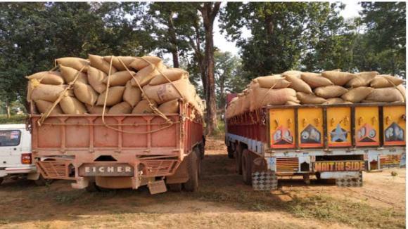 41 टन मक्के के साथ दो ट्रक जब्त