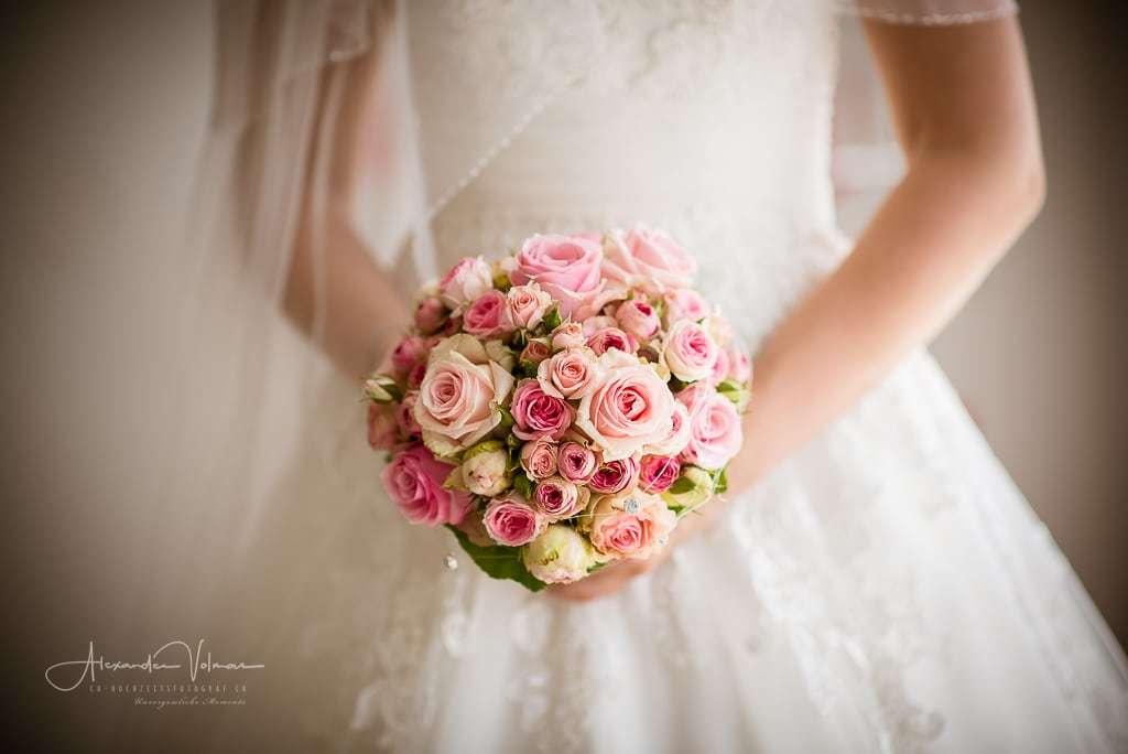 Hochzeitsfotograf, Hochzeitsfotograf Schweiz, Hochzeitsfotograf Aarau, Blumenstrauss