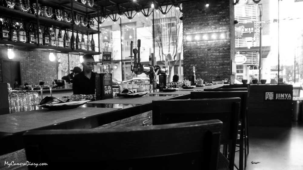Adventure, Anselm Chong, Bottle, Bowl, British Columbia, Business, Canada, Chair, Deco, Decoration, Diary, Food, Interior Design, Japanese Cuisine, Light, Lumaca Photo, My Camera Diary, MyCameraDiary.com, Noodle, North America, Pacific Northwest, Ramen, Restaurant, Road Trip, Sake, Soup, Table, Travel, Utensil, Vancouver, 出游, 加拿大, 北美, 大不列颠哥伦比亚, 孪生兔, 室内, 我的相机日记, 拉面, 旅游, 日式, 日本餐, 日记, 桌椅, 汤面, 清酒, 温哥华, 游记, 灯, 现代蜗牛, 瓶子, 生意, 菜肴, 蜗牛摄影, 设计, 车游, 酒瓶, 面汤, 食物, 餐馆