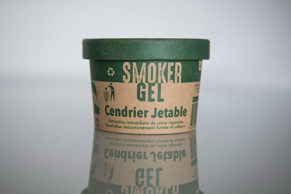 Cendrier avec couvercle hermétique pour neutraliser fumée et odeurs