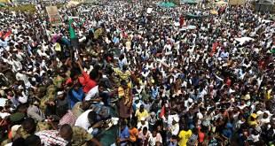 الثورة السودانية (صورة من الأرشيف)
