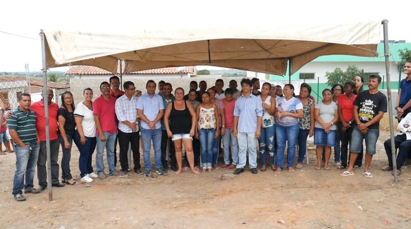 Prefeitura faz entrega de mais 18 casas em Chã de Alegria
