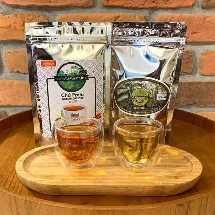 Chá Preto Agroflorestal Sítio Yamamaru 50g + Chá Verde Agroflorestal Sítio Yamamaru 50g + 2 copos de Vidro Duplo Marta 80ml