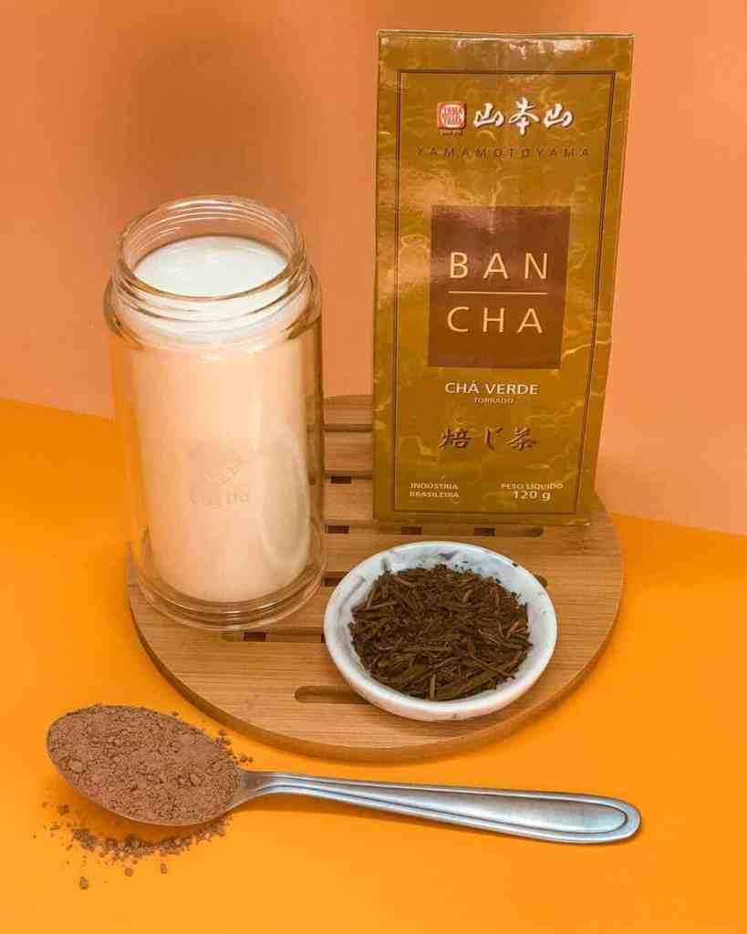 Ingredientes: Chá Verde Bancha Torrado (Hojicha), Chocolate em Pó e Leite.