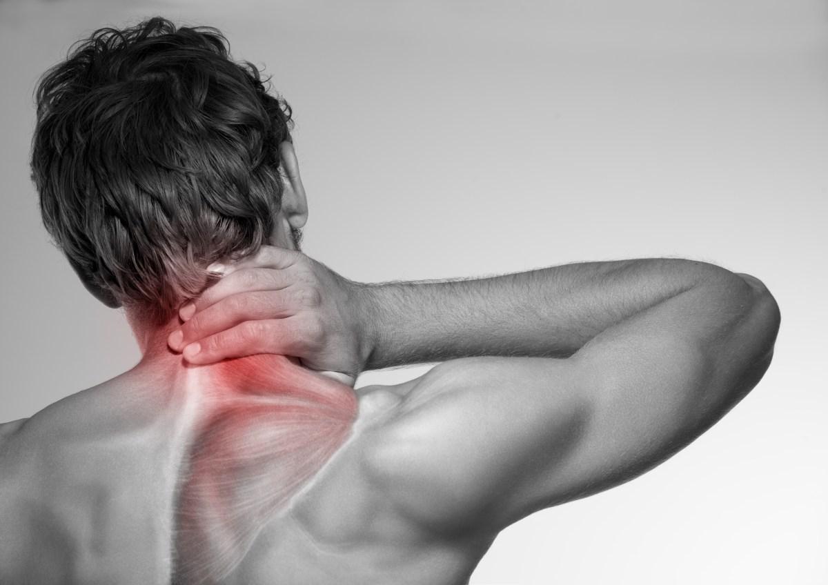 Man experincing neck pain
