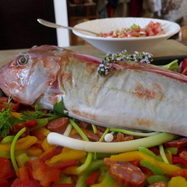 Rouget grondin aux poivrons et chorizo