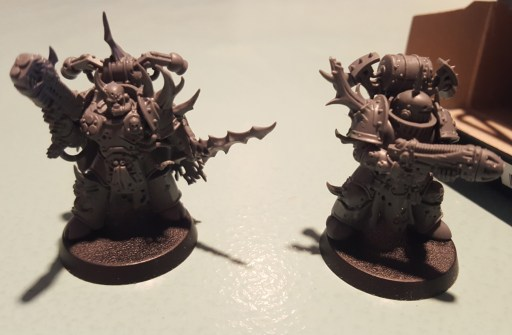 Plague Marines, plasma guns