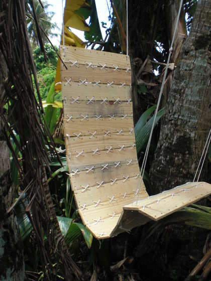 DIY Hammock - Paracord-Laced-Pallet-Hanging-Chair