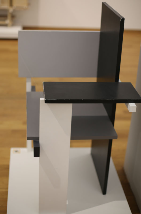 Berlin Chair by Rietveld Right sideI56A0991