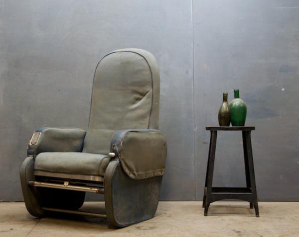 Airplane-Seat-by-Warren-MacArthur