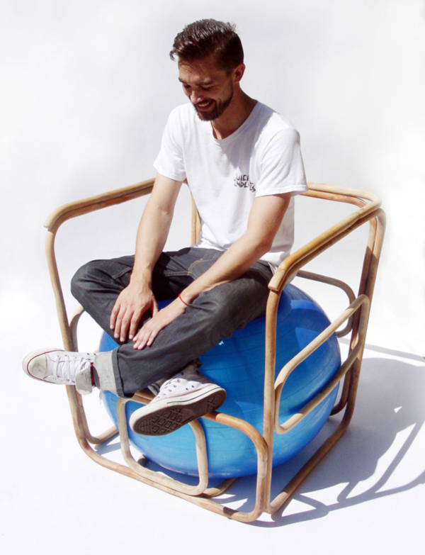 Ball-Chair-by-Per-Brolund-and-Em-Riem